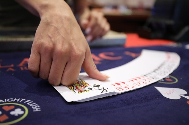 Tips To Earn Money through Online Gambling