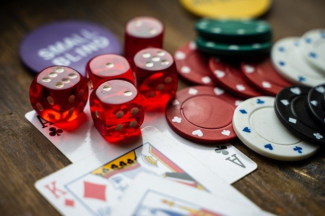 What are the right ways to earn instant money at an online casino?