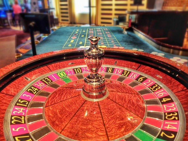 What are the foremost tips for playing online casino games?