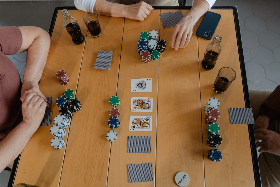Online gambling: These are the Five Essential Words of Advice.