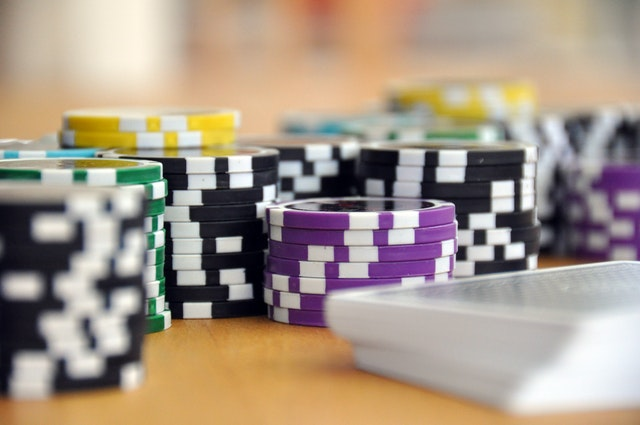 Reasons Which Emphasize Online Casino Are Better Than Physical Casinos